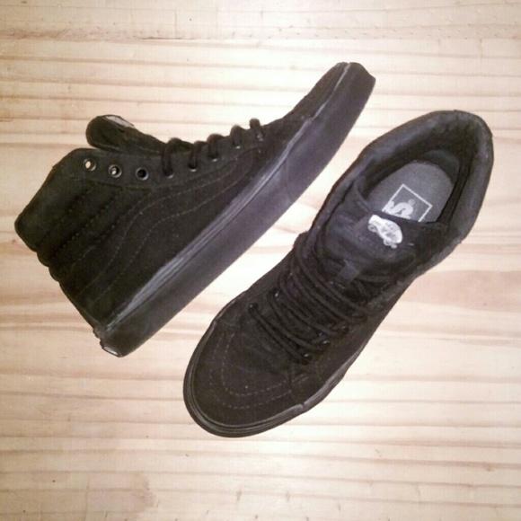 478918a0751bb5 Black Van Skater Shoes Size 6.5. M 5b4e02a0194dadcea3e32d92